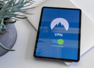 Cellphone displaying VPN logo
